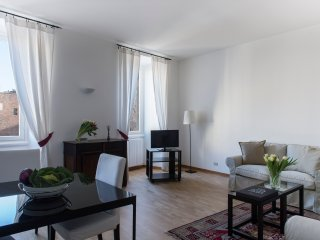 COZY APARTMENT IN SANT'AMBROGIO (CRD2) - Milan vacation rentals