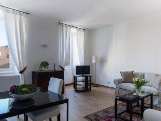 COZY APARTMENT IN SANT'AMBROGIO (CRD2) - Milan vacation rentals