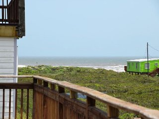 12LP - Spacious beach house with great price - Sleeps 9 - Port Aransas vacation rentals