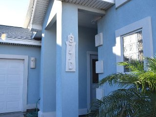 677D; Beautiful Townhouse with lots of space Sleeps 10 - Port Aransas vacation rentals