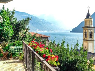 Romantic charming cottage, breathtaking view - Brienno vacation rentals