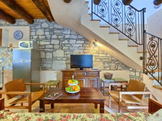 Beautiful House with Internet Access and A/C - Rakalj vacation rentals