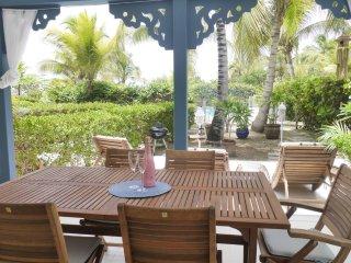 Côté Zen, beautiful beach house sea view beach front, pool - Orient Bay vacation rentals