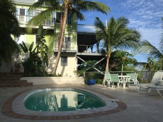 """Suite Papaya"" - Coral Bay vacation rentals"