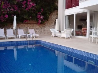 Charming 5 bedroom Kalkan Villa with Internet Access - Kalkan vacation rentals