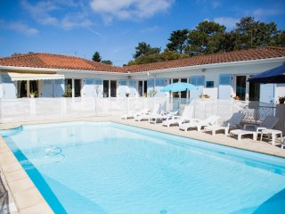 Hossegor villa with pool - walk to town and lagoon - Hossegor vacation rentals