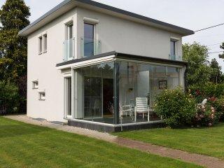 B&B Garden Suite, best location: Metro and Danube - Vienna vacation rentals