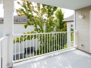 2 bedroom Apartment with Internet Access in Mill Creek - Mill Creek vacation rentals