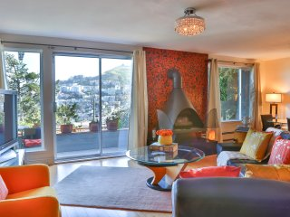 Beautiful corporate  apartment with panoramic view - San Francisco vacation rentals