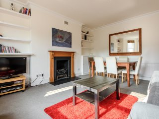 Stunning 3 bed 2 bath central London - London vacation rentals