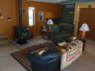 Vacation Home, 5 Lakes & Lake Arrowhead Golfing - Nekoosa vacation rentals