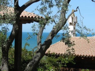 Molino di Mare- cosy cottage overlooking the sea - Rodi Garganico vacation rentals