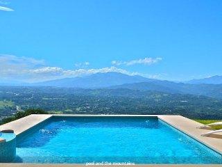 New 3 BR 3 BA Villa with the Best Views in Atenas - Atenas vacation rentals