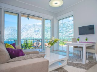 Romantic Apartment with A/C and Shared Outdoor Pool in Prcanj - Prcanj vacation rentals