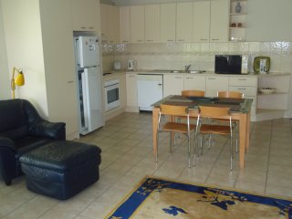 Fully self contained unit close to shops and beach - Mt Martha vacation rentals