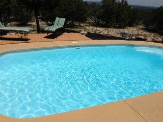 Bandera's Cottage with Hot Tub & Pool Access - Bandera vacation rentals