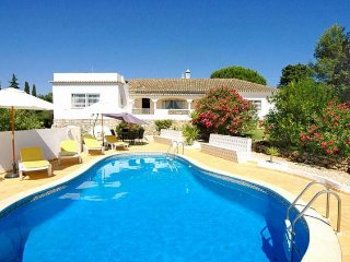 4 bedroom Villa in Vale De Parra, Albufeira, Central Algarve, Portugal : ref 1717126 - Guia vacation rentals