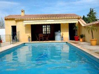 4 bedroom Villa in Pezenas, Languedoc, France : ref 2000082 - Pezenas vacation rentals