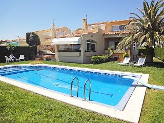 4 bedroom Villa in L Ametlla De Mar, Costa Daurada, Spain : ref 2009093 - L'Ametlla de Mar vacation rentals
