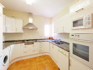 4 bedroom Villa in Empuriabrava, Costa Brava, Spain : ref 2010357 - Empuriabrava vacation rentals