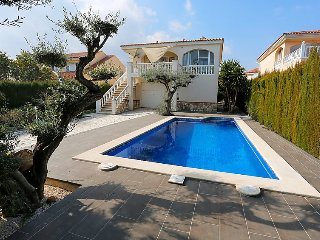 4 bedroom Villa in L'Ampolla, Costa Daurada, Spain : ref 2026362 - L'Ampolla vacation rentals