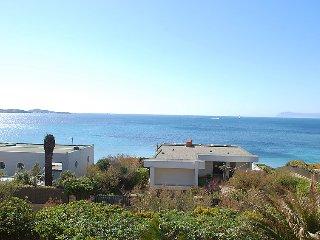 3 bedroom Villa in Six Fours, Cote d'Azur, France : ref 2099141 - Six-Fours-les-Plages vacation rentals