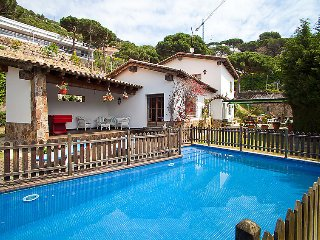 4 bedroom Villa in Cabrils, Barcelona Costa Norte, Spain : ref 2099610 - Cabrils vacation rentals