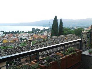 Trevignano: amazing lake view at 180 degrees - Trevignano Romano vacation rentals