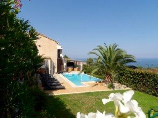 Villa Canella, luxe et vue mer époustouflante - Sari-Solenzara vacation rentals