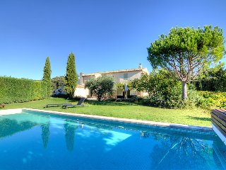 4 bedroom Villa in Cucuron, Provence, France : ref 2217836 - Cucuron vacation rentals
