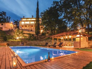 4 bedroom Villa in Opatija-Matulji, Opatija, Croatia : ref 2219115 - Matulji vacation rentals