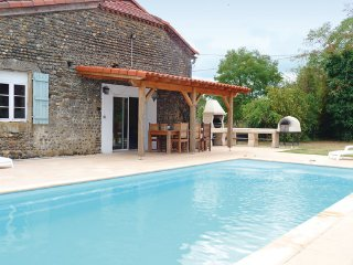 6 bedroom Villa in Tasque, Gers, France : ref 2221127 - Tasque vacation rentals