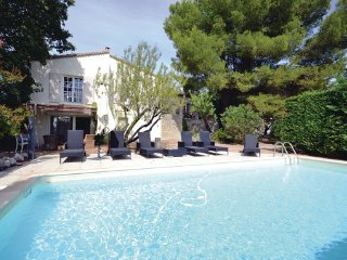 Villa in L Isle sur la Sorgue, Vaucluse, France - Saumane-de-Vaucluse vacation rentals