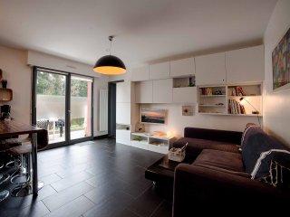 Appart avec terrasse PlageDuRosais - Saint-Malo vacation rentals