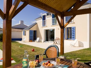 4 bedroom Villa in St Jean De Monts, Vendée, France : ref 2255460 - Saint-Jean-de-Monts vacation rentals