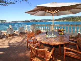 3 bedroom Apartment in Sanary Sur Mer, Provence, France : ref 2255499 - Sanary-sur-Mer vacation rentals