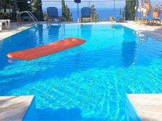 Comfortable flat with swimming pool - Lakka vacation rentals
