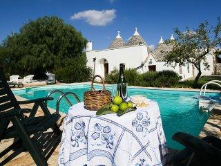 3 bedroom Villa in Locorotondo, Apulia, Italy : ref 2269003 - Locorotondo vacation rentals
