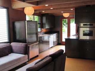 Furnished 2-Bedroom Apartment at E Olive St & 13th Ave Seattle - Malden vacation rentals