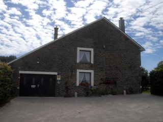 Bright 3 bedroom Bertogne Gite with Internet Access - Bertogne vacation rentals