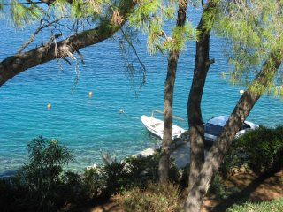 Just by the sea - 10 m - apartment on island - Rogac vacation rentals