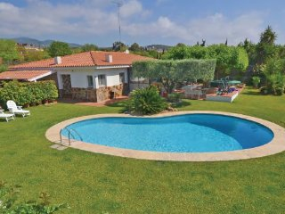5 bedroom Villa in Sant Andreu de Llavaneres, Costa De Barcelona, Spain : ref 2281036 - Sant Andreu de Llavaneres vacation rentals