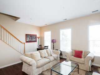 Furnished 2-Bedroom Condo at 20th St NW & Kalorama Pl NW Washington - District of Columbia vacation rentals
