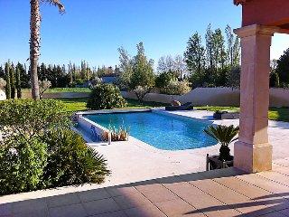Villa in Entraigues sur Sorgue, Provence, France - Althen-des-Paluds vacation rentals