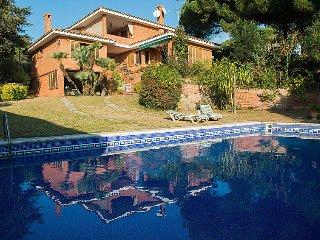 5 bedroom Villa in Sant Vicenc de Montalt, Barcelona Costa Norte, Spain : ref 2296167 - Sant Vicenc De Montalt vacation rentals