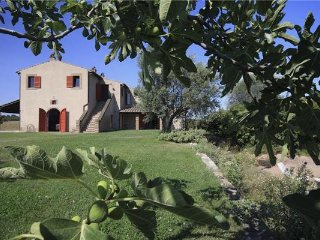 4 bedroom Villa in Orte, Lazio, Italy : ref 2302017 - Orte vacation rentals