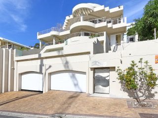 Perfect Villa with Internet Access and A/C - Bantry Bay vacation rentals