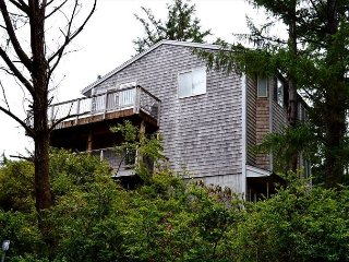 Cherry Circle ~ MCA# 1051~ Beautiful Oceanview home with a relaxing Sauna. - Manzanita vacation rentals