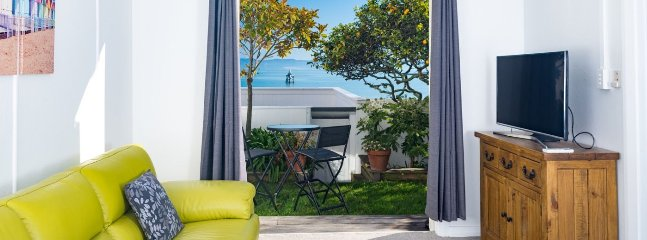 The Elegant Lady's Mate - Nelson Waterfront Cottage for 2! - Moana vacation rentals
