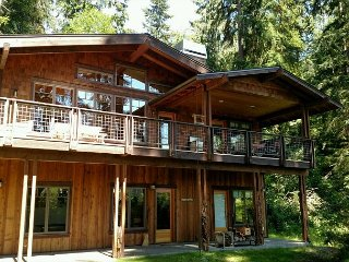 Beautiful craftsman lakeside chalet home. 2 bed, 2.5 bath. (248) - Langley vacation rentals